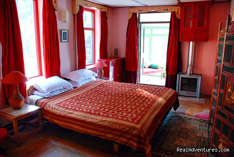 Mughal Suite, main bedroom - Himalayan nature resort at Eagles Nest India
