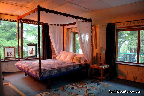 Hallett Room - Himalayan nature resort at Eagles Nest India