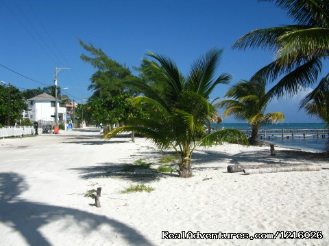 Caye Cualker Belize - Central America Explorer with MARVELUS TRAVEL
