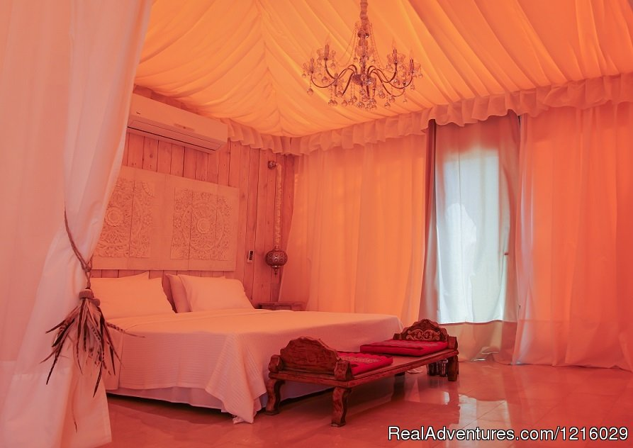 Maharaja Tent bed | Image #19/26 | Luxurious and Private Retreat for Romantic Getaway
