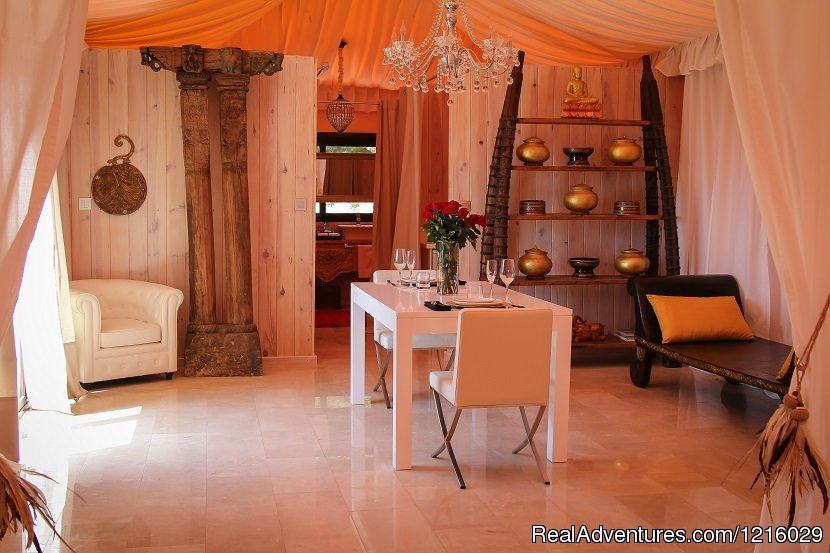 Maharaja Tent living room | Image #21/26 | Luxurious and Private Retreat for Romantic Getaway