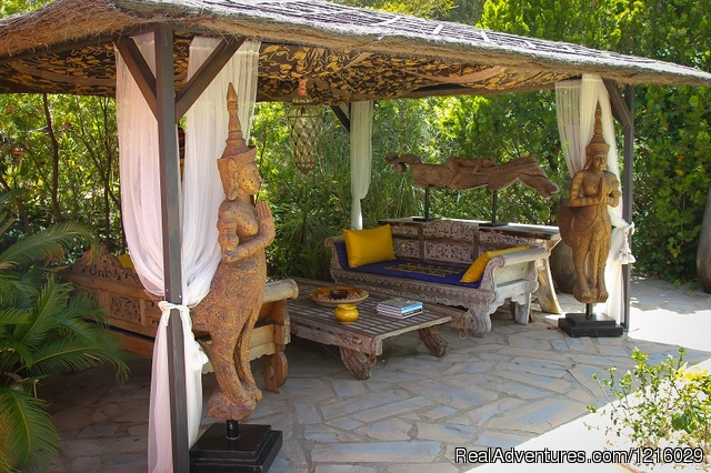 Casa Pino's outdoor bath - Luxurious and Private Retreat for Romantic Getaway