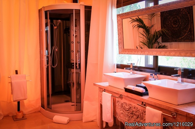 Maharaja Tent bathroom - Luxurious and Private Retreat for Romantic Getaway