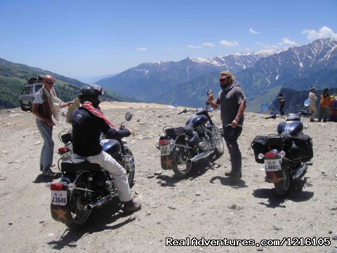 On top of the World - Exclusive motorbike Tours in the Himalayas