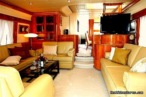 Romantic Weekend Getaway aboard a Luxury Yacht Saloon 1