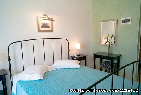 Villa Rose          Rooms & Apartments