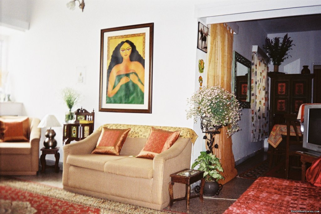 Sitting Room | Image #8/10 | A great Home stay in New Delhi at Mayas Nest A B&B
