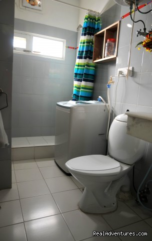 bathroom - Homestay Delhi9. Close to Delhi Airport.