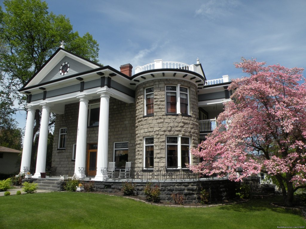 Welcome to Rosedell Bed & Breakfast, a stately Neo Classical home located near historic downtown 