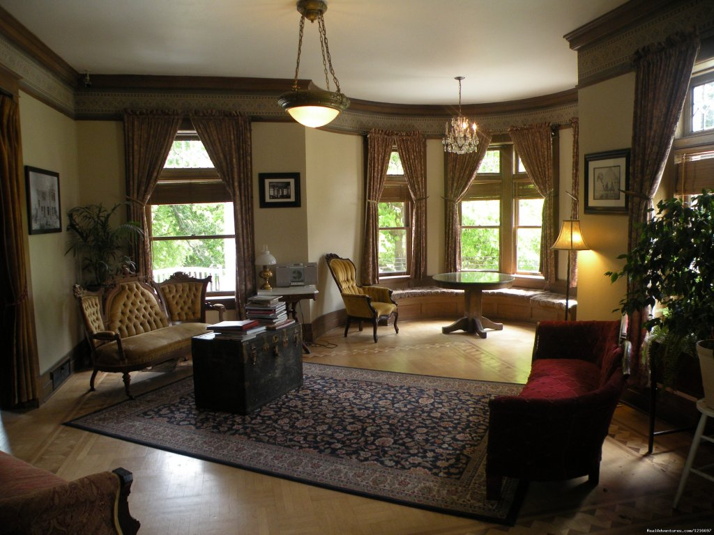 sitting room | Image #2/17 | Historic Rosedell Bed & Breakfast