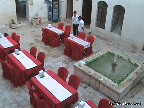 Courtyard - Sanliurfa Aslan Guest House ( Aslan Konuk Evi )