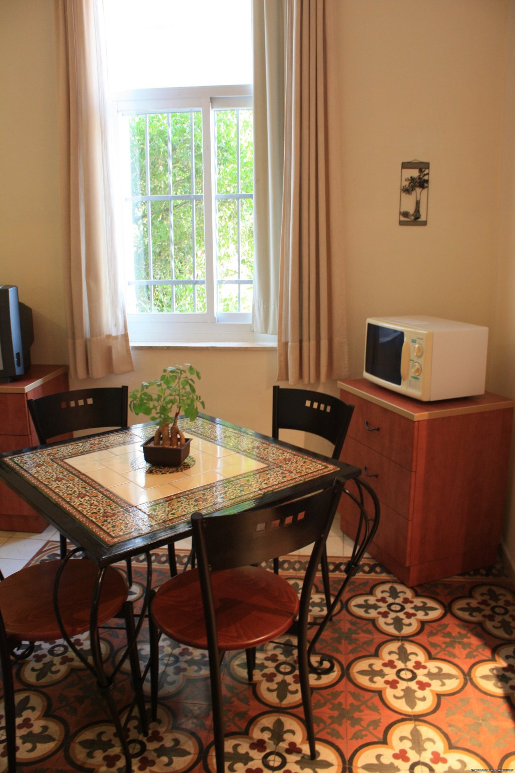 Modern, warm and immaculate self-catering studios, one bedroom and two bedroom apartments. The apartments are located in the central neighborhood of Jerusalem with a short walk to the Old City and to many of the amazing attractions of the city.