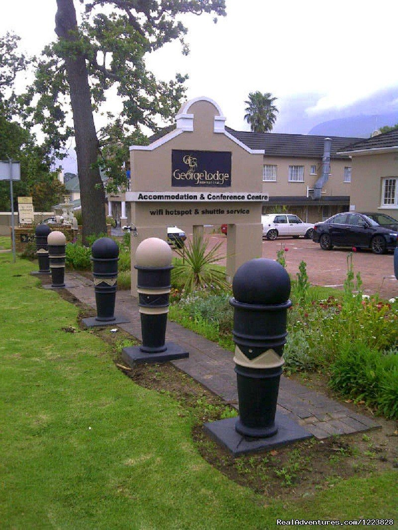 Image #3/5 | George Lodge Tours and Shuttles - Garden Route