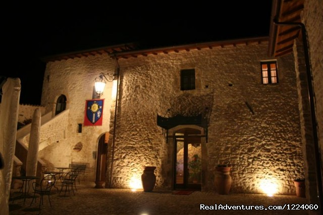 Courtyard night (#24 of 26) - Corte Belvoir Guest House & Romantic Inn
