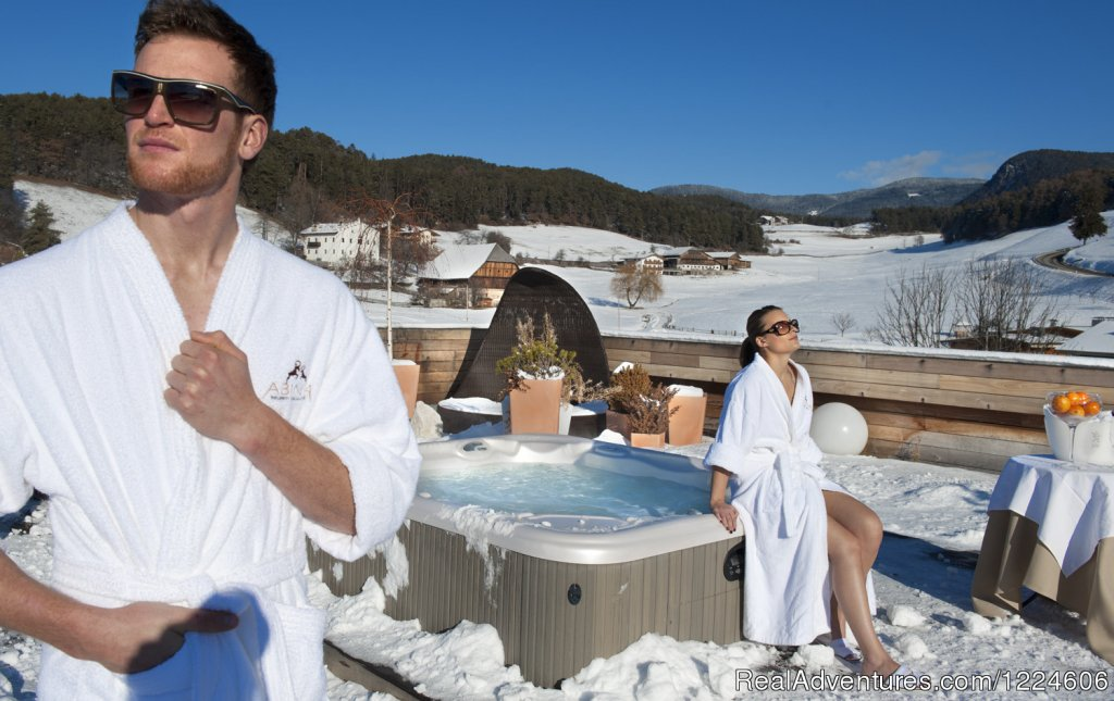Hot whirlpool on the roof garden | Image #7/12 | Abinea Dolomiti Romantic Hotel in Italy