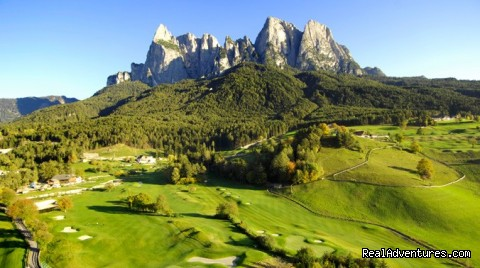 golf court of Castelrotto - Abinea Dolomiti Romantic Hotel in Italy