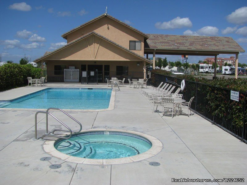Flag City RV Resort provides recreational vehicle travelers with a premier five star RV Resort destination or overnight stop that is located in the heart of the San Joaquin Valley, near Lodi and convenient to Sacramento and Stockton.