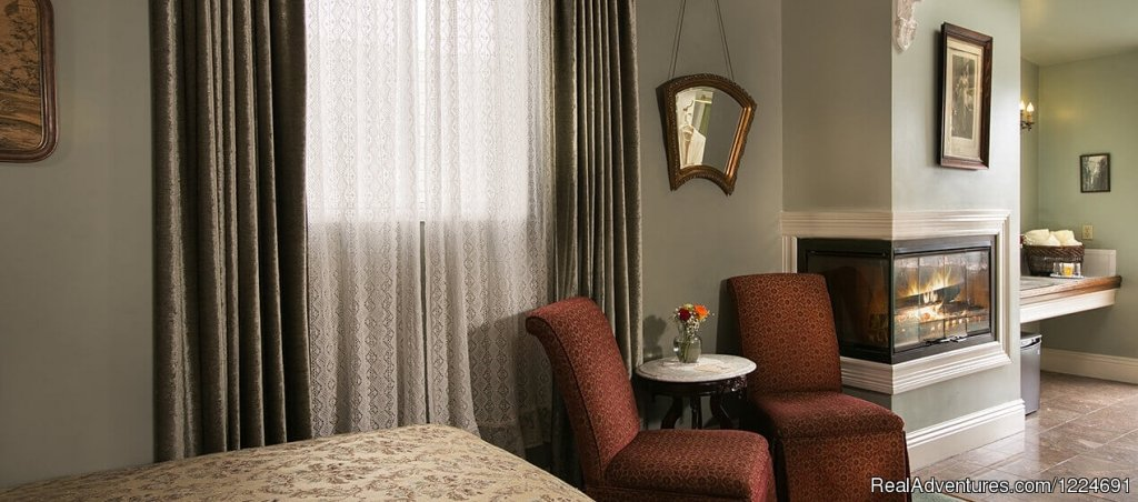 Medium-sized Room 44, Bed, Chairs, Fireplace | Image #19/26 | Romantic b&b in San Francisco at Inn SF