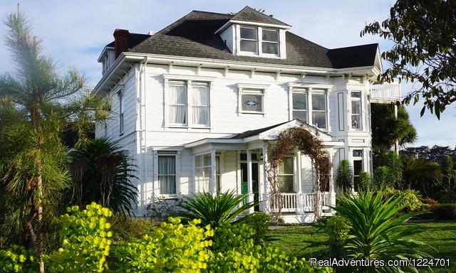 Historic Mendocino coast retreat Weller House Inn