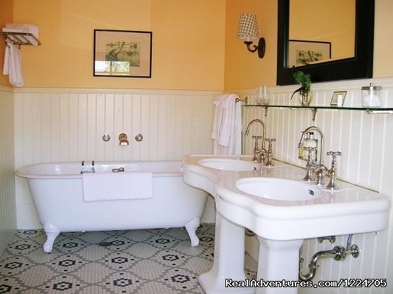 Tallman historic bathroom | Image #3/8 | Tallman Hotel