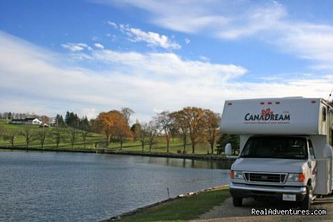 Ontario lakeside view - CanaDream RV Rentals & Sales - Toronto