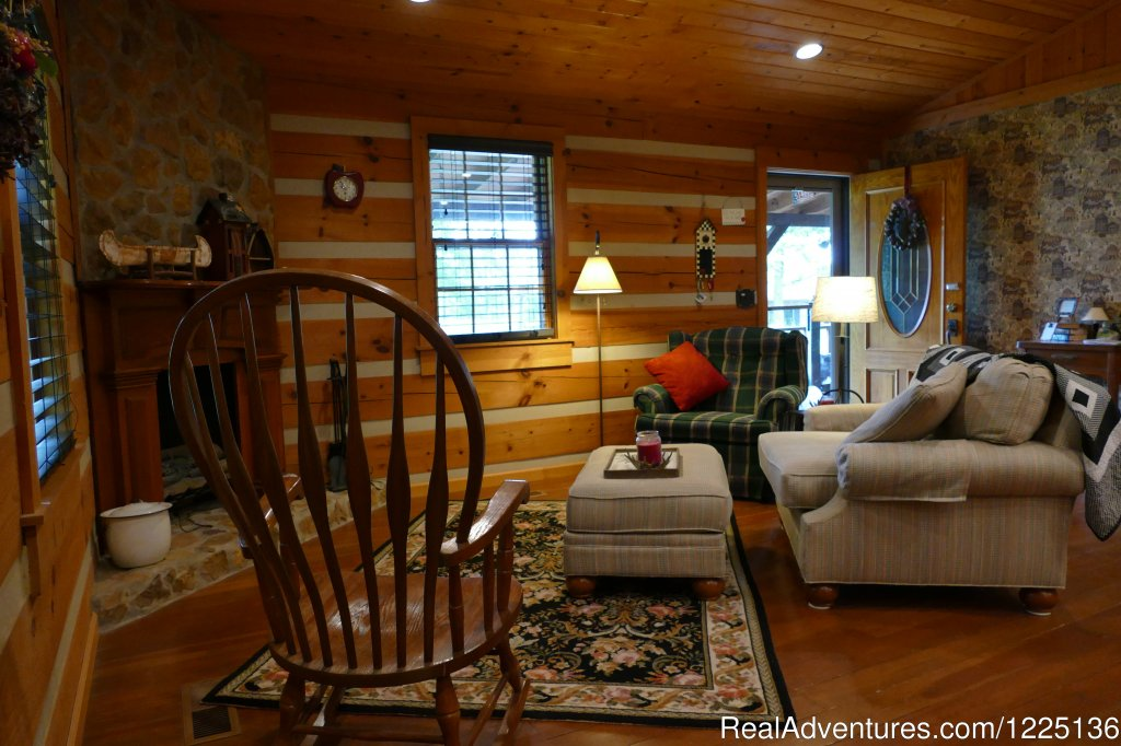 Upper Sitting Room  | Image #12/24 | Kentucky Lake Log Home