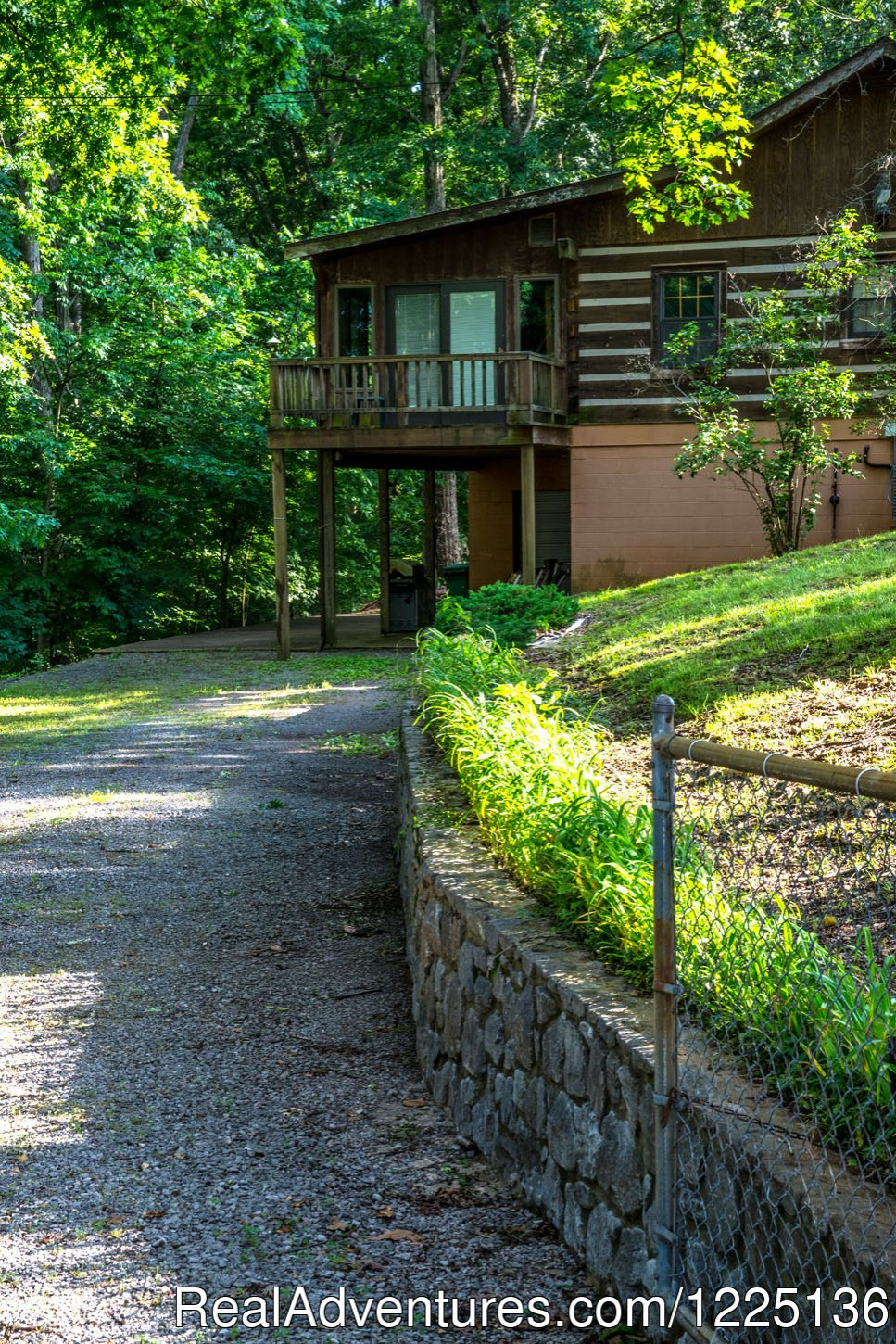 Back of house & driveway lighted w/electric | Image #18/24 | Kentucky Lake Log Home