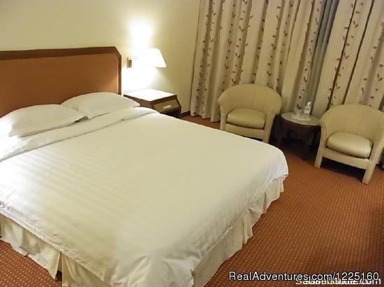 Hotel Shangri-la - 3D 2N Kundasang/Poring Hot Spring/Rumah Terbalik