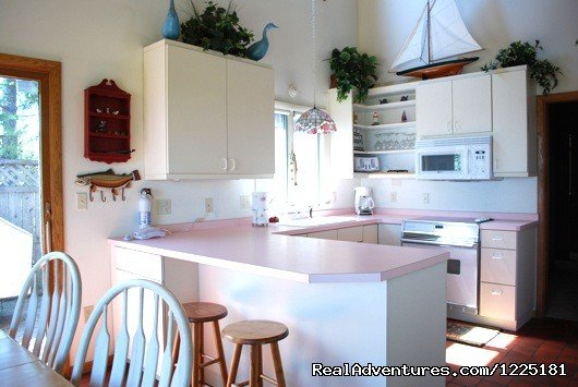 Sandy Point is a charming 4 bedroom furnished beach home located on Lake Superior only 50 meters from the beach. Enjoy spectacular views of Lake Superior while relaxing in this beautiful home. Fully equipped with everything you need.