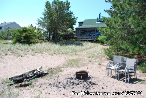 Image #8 of 10 - Sandy Point Beach Cottage on Park Point, Duluth MN