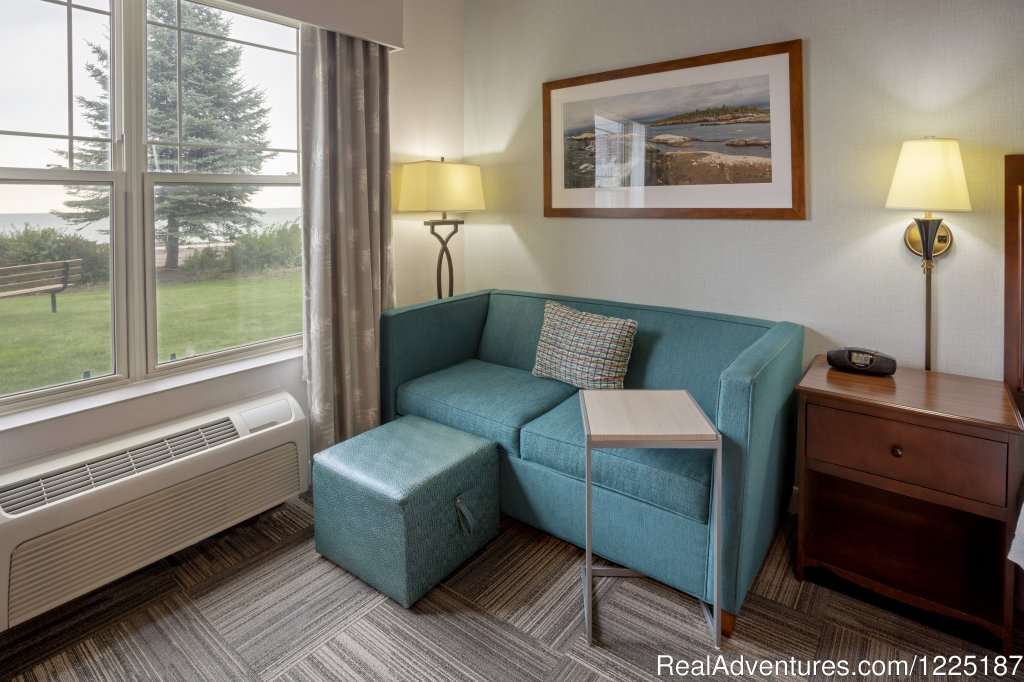King with sofa | Image #8/9 | Hampton Inn