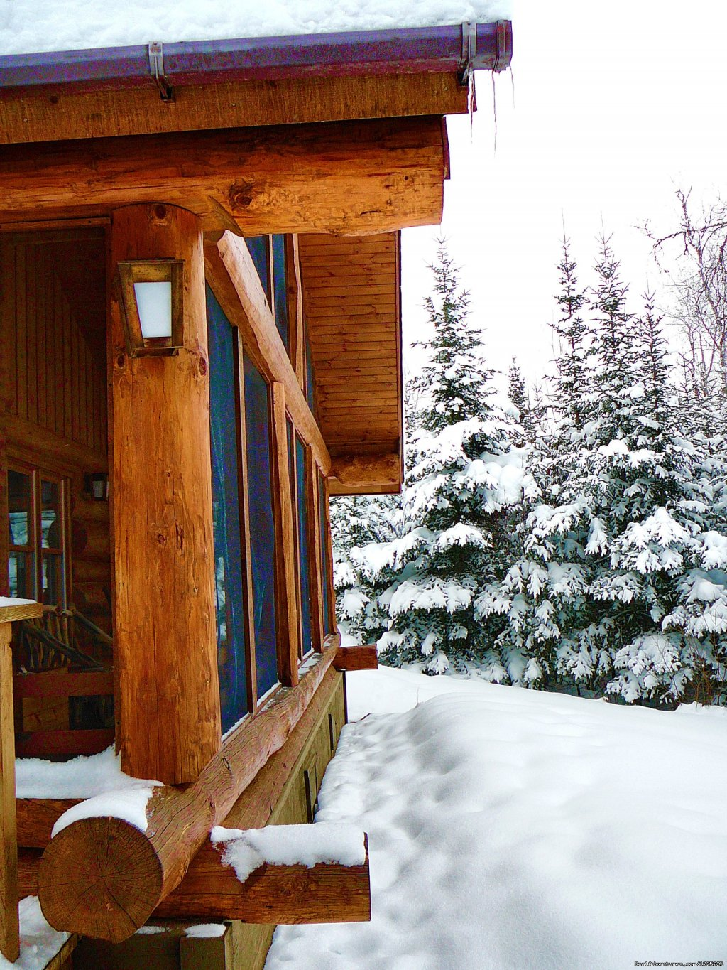 Beautiful Gunflint Trail cabin lodging on the edge of Minnesota's famed BWCAW. Open all year. Top-rated resort offers canoeing,kayaking,fishing,swimming,hiking, relaxing.70K of groomed x-country ski trails through the deep woods. Dog sled trips.