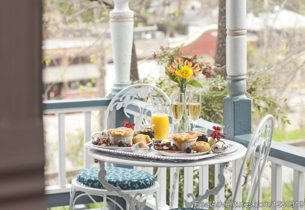 Breakfast is delivered right to your suite | Image #5/23 | Cliff Cottage B&B Luxury Suites/Historic Cottages