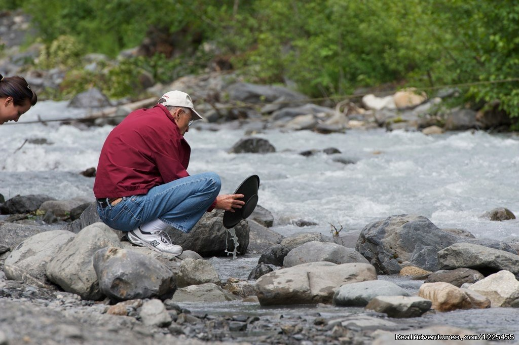 Alaska Gold Panning | Image #15/17 | Salmon Berry Travel & Tours
