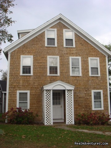 The Old Center Road Apartments - Package Deals & Great Rates on Block Island