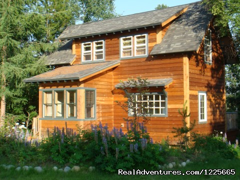 Private Denali View Lodging in Talkeetna Alaska: Traleika Mountaintop Cabins - Birchcrest Cabin