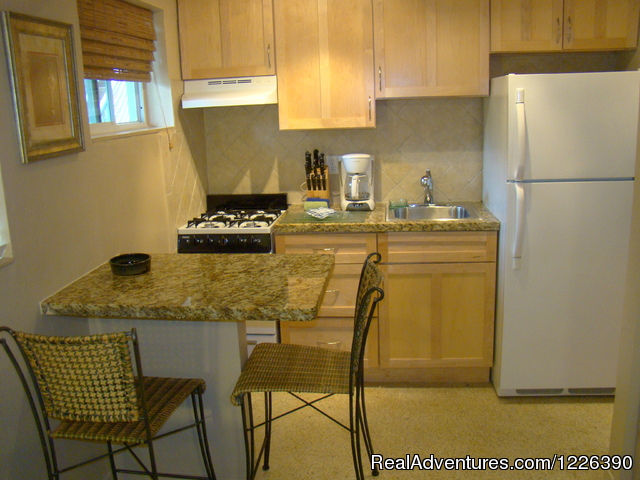 Famil One Bedroom, Kitchen - The Desoto Ocean View Inn