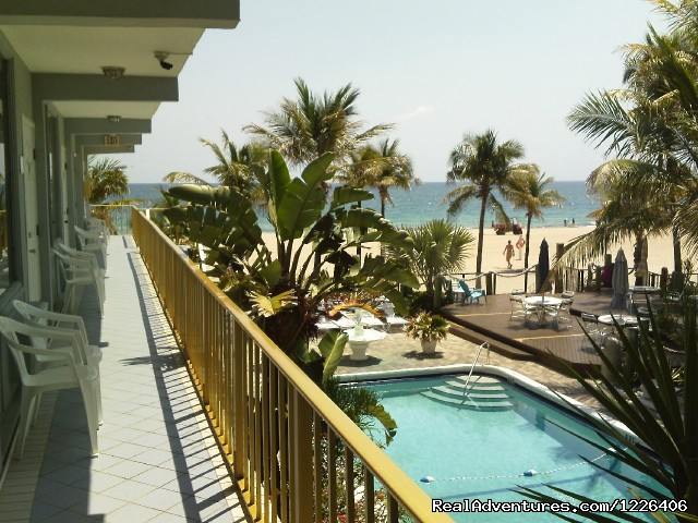 Image #7 of 7 - Captain's Quarters Resort