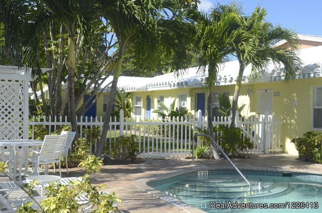 Bahama Beach Club - Studios and 1/1 Apts