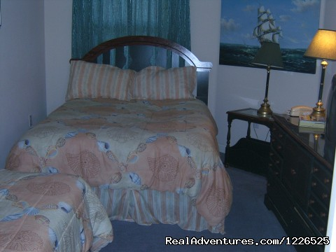 Queen Bedroom - 206 - 10% EB Disc, 3Br/3Ba Gulf Front Condo, Slp 8, WiFi