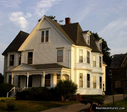 Vacation in Nova Scotia: A Seafaring Maiden Bed and Breakfast
