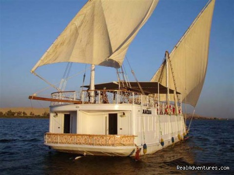 Dahabya Nile cruise - Holistic Travel, Private Tours