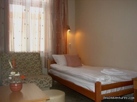 Single bedroom (#6 of 8) - Affordable family hotel in the heart of Zrenjanin