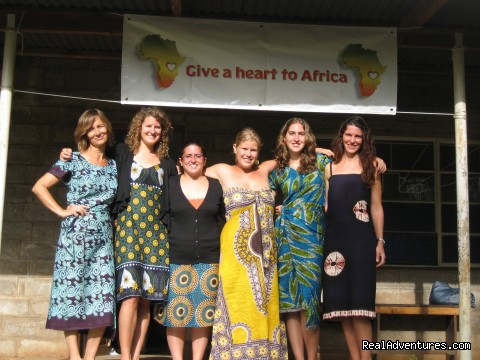 Graduation - Volunteer with women by Kilimanjaro, Tanzania