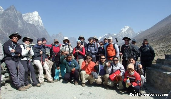 Group picture in Dingboche