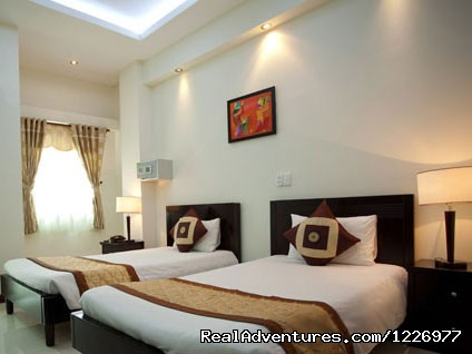 Superior Two Single Beds - Green Suites
