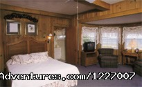 The Holiday House Inn, Easter Room (#12 of 12) - The Holiday House