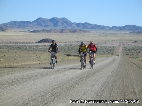 Spotlight on Namibia - The Scenic South - Bicycle tours around the world