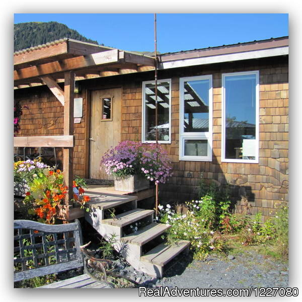The Gatehouse Cabin from outside - The Best Waterfront Lodging in Seward Alaska