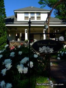 Romantic Weekend Getaways At The Cobblestone B&B